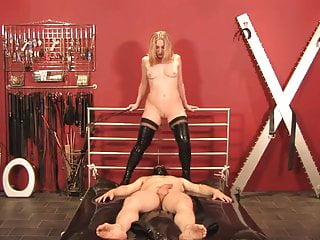 Mistress Sidonia - The masked fucktoy